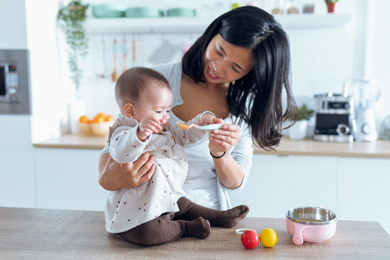 Starting Your Child on Solids: Is Organic Baby Food Better?